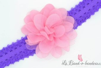 Bandeau fin dentelle violet fleur en tissu rose