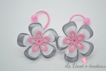 Elastique rose bonbon thème triple fleur