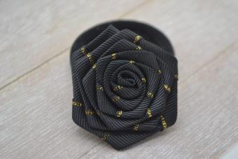 Collection Hiver fleur liseré doré noire