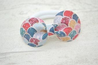 Collection Rentrée Noeud simili écailles multicolores